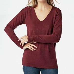 Sweaters - NWT V Neck Pullover
